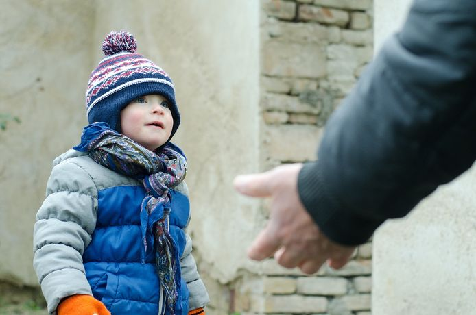 Een illustratiebeeld. Het kind is geen van de mogelijke slachtoffers van een ontvoeringspoging in het Brusselse.