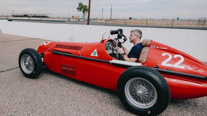 Voor minder dan tienduizend euro bouw je je Madza MX-5 om tot deze racewagen.