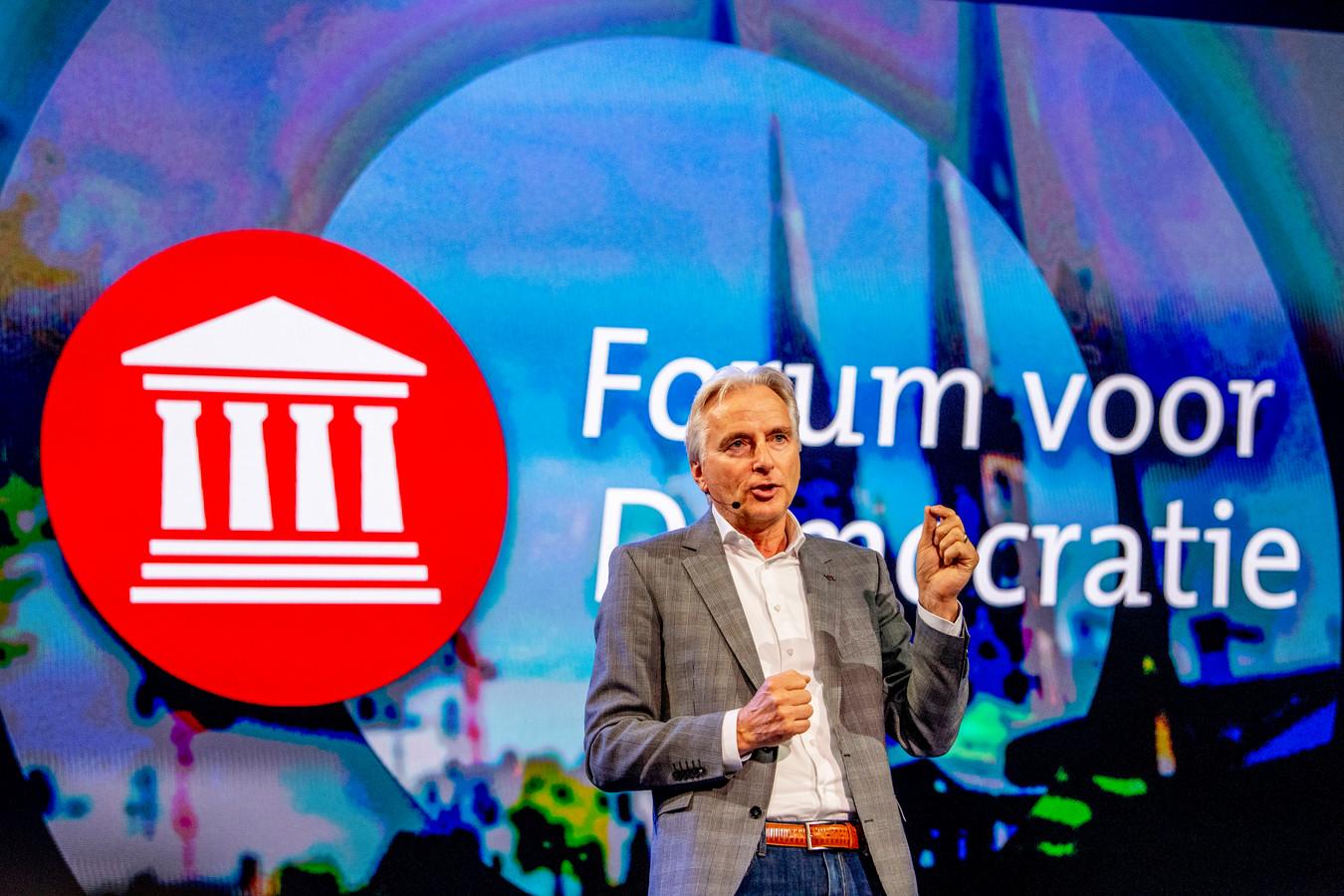 Hans Smolders verlaat de Haagse Forum-fractie/