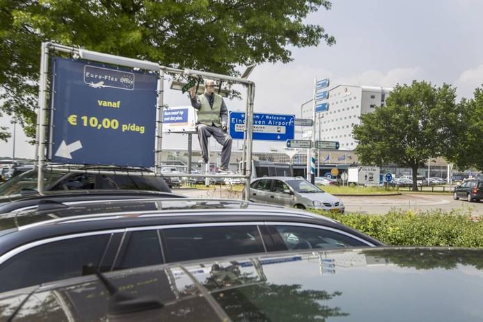 Bij Euro-FlexOffice huurt de parkeerder werkruimte, en krijgt er gratis een parkeerplekje bij.