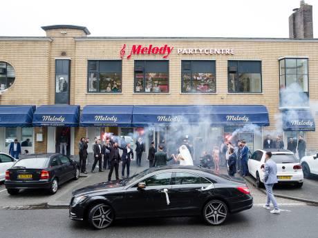 'Toeterende bruiloftsstoeten in Den Haag hoeven zich vooraf niet aan te melden'