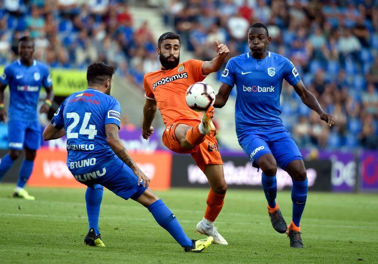 Kaveh Rezaei speelde vorig weekend tegen Genk zijn laatste match voor Charleroi. Hij trekt nu voor vier jaar naar Brugge. Beeld Photo News
