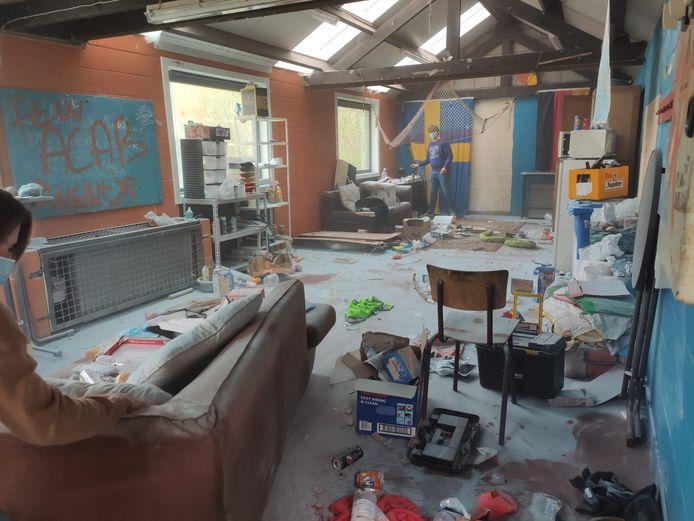 Het hele lokaal van KSA Kriko in Brugge is gevandaliseerd.