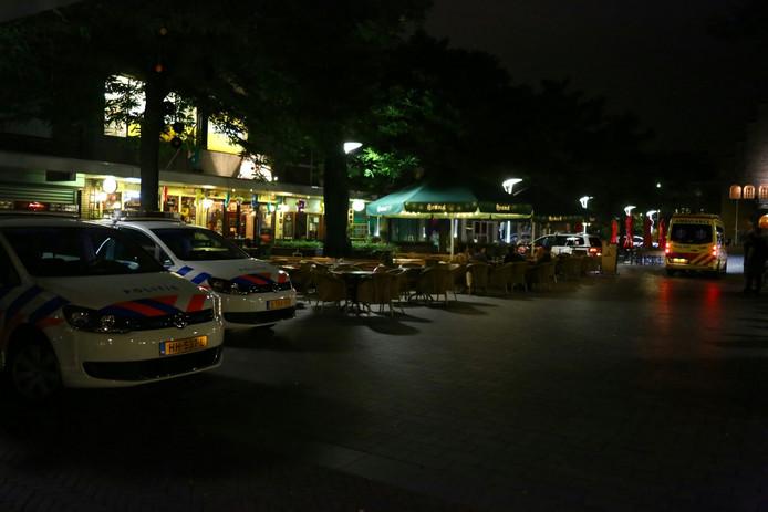 Een ambulance, traumahelikopter en vier politieauto's kwamen op de melding af.