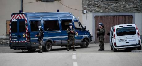 Moordende 'rambo' in Frankrijk geeft zich over na klopjacht van ruim drie dagen