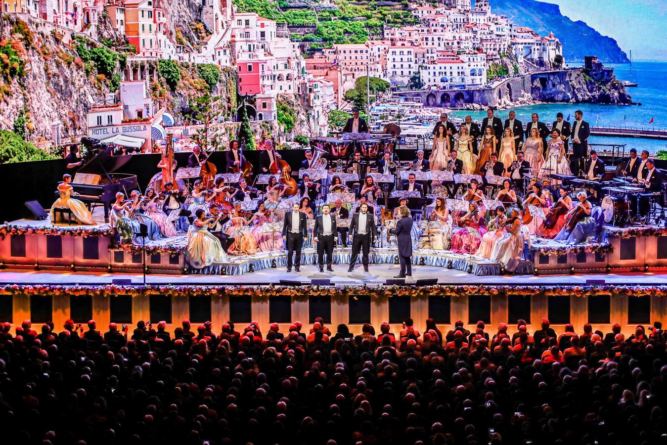 Nieuwjaarsconcert in Ziggo Dome: groot, groter, Rieu ...
