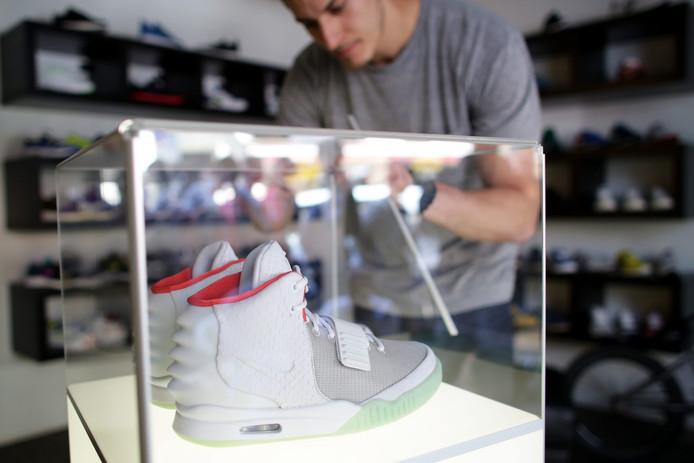 d2bbfb8c809 Sneaker verkoopt nog wel | Economie | AD.nl