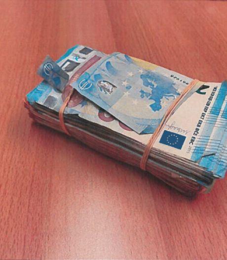 Man uit Roosendaal (30) na wilde achtervolging aangehouden: 21.000 euro cash in de auto