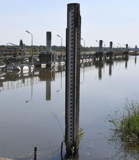 Hoog waterpeil Maas houdt grondwater in de regio: 'Eigenlijk is het een simpele maatregel'