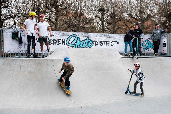 Inhuldiging skatepark.