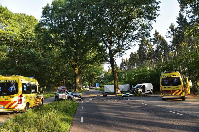 Ernstig ongeluk op de Zundertseweg in Rucphen.