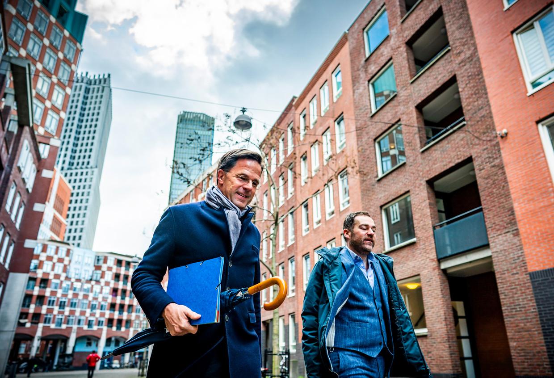 Premier Mark Rutte en Klaas Dijkhoff. Beeld Freek van den Bergh / de Volkskrant