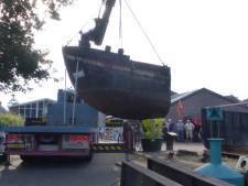Zandschip Christina wordt in drieën geknipt en eindigt als boegbeeld van Museumwerf Vreeswijk