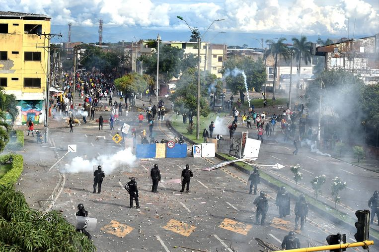 Veelal vreedzame protesten in Colombiaanse steden stuitten op grof politiegeweld. Beeld AFP