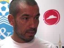 Van Bronckhorst heeft in China zicht op play-offs dankzij escape