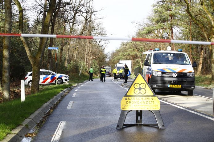 Het droneteam van de politie doet onderzoek naar de toedracht van het ongeval.
