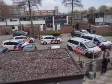 Man uit Apeldoorn slaat inboedel kort en klein en scheldt politie uit
