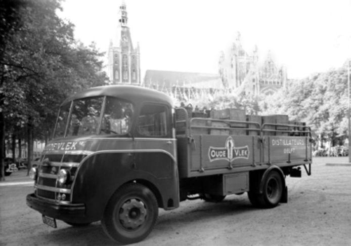 Al in 1860 reden er jeneverwagens van de Oude Vlek in Delft rond.