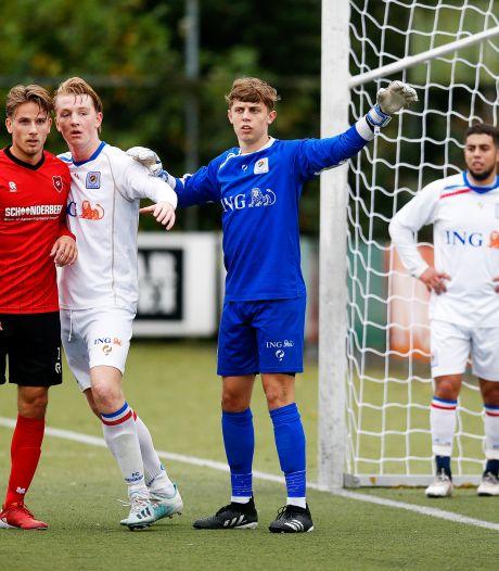 Jonge keeper Sem (17) maakt indruk bij FC Breukelen: 'Verrast dat ik meteen onder de lat sta'