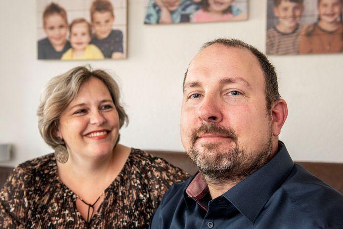 Danny Geldtmeijer (42) heeft al vanaf zijn 28e Parkinson en is ambassadeur van ParkinsonNL. Dit weekend doet hij op tv zijn verhaal over leven met deze ziekte. Samen met zijn vrouw Claudia en oudste zoon Erik (11).