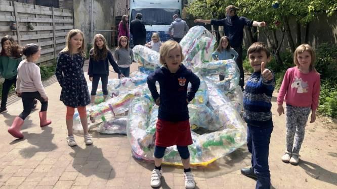 Project met kunstenaarsduo VanRoelink in Ervaringsgerichte school De Weide eindigt met 'blow-up'