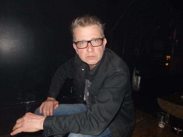 Mike de Jonge, schipper voor de Haagse Hogeschool: 'De een hijst graag een zeil, de ander schilt aardappels. Dat zorgt voor saamhorigheid' Beeld Schuim