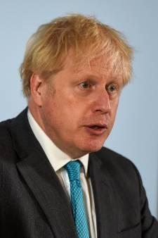 """Boris Johnson s'emmêle les pinceaux sur les nouvelles restrictions: """"De l'incompétence grave"""""""