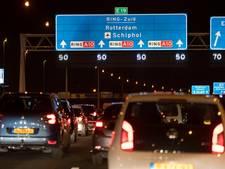 Auto's staan steeds vaker vast in en rond Amsterdam