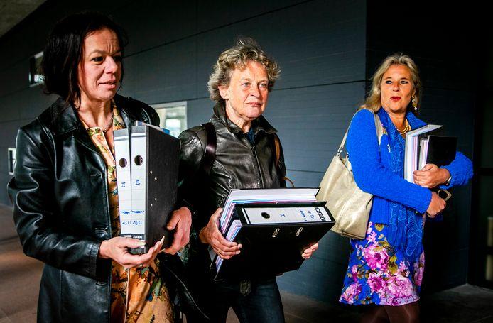 Bénédicte Ficq (midden) en Wanda de Kanter (rechts), hier in het bijzijn van longkankerpatiënte Anne Marie van Veen.