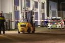 Onderzoek door de politie nadat een heftruck een man aanreed in maart op Urk.