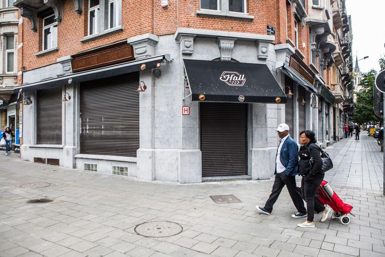 Weldra gaat Hall Café open in Sint-Gillis, maar dat stoot nu al op verzet.  Beeld thomas legreve