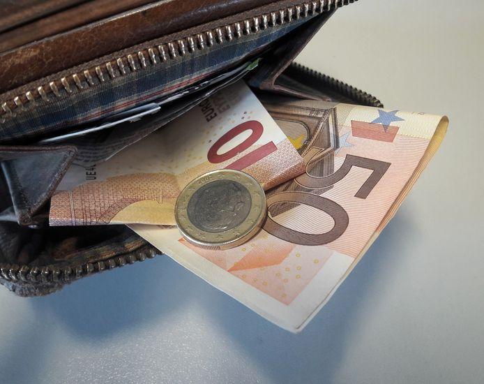 Bijstandsgerechtigden die gaan werken, moeten dan ook meer geld in de portemonnee krijgen, vindt de gemeente Arnhem. Foto ter illustratie.