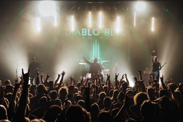De Antwerpse metalband rond Alex Agnew kon de fans moeiteloos overtuigen. Beeld Alexander D'Hiet