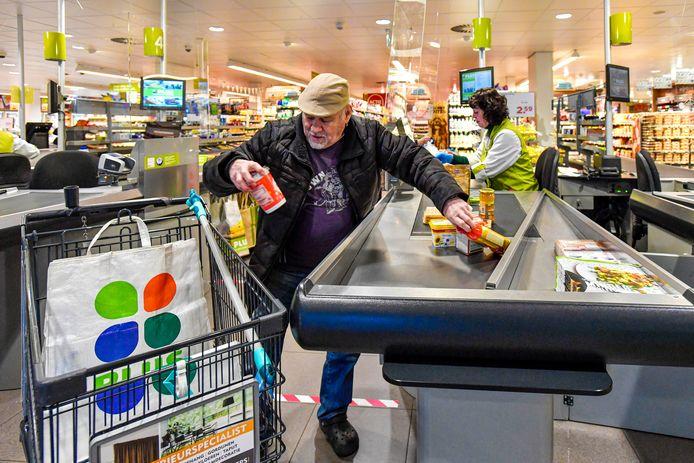 De Plus Supermarkt in Halsteren houdt vanaf vrijdag elke ochtend om 07.30 uur een apart boodschappenuurtje voor ouderen.