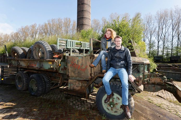 Eva de Boer en Rutger Soons van Wijland Woonpioniers op het  Reomieterrein.
