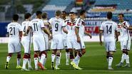 'Weltmeister' houdt schietoefeningen tegen Gibraltar: 0-7