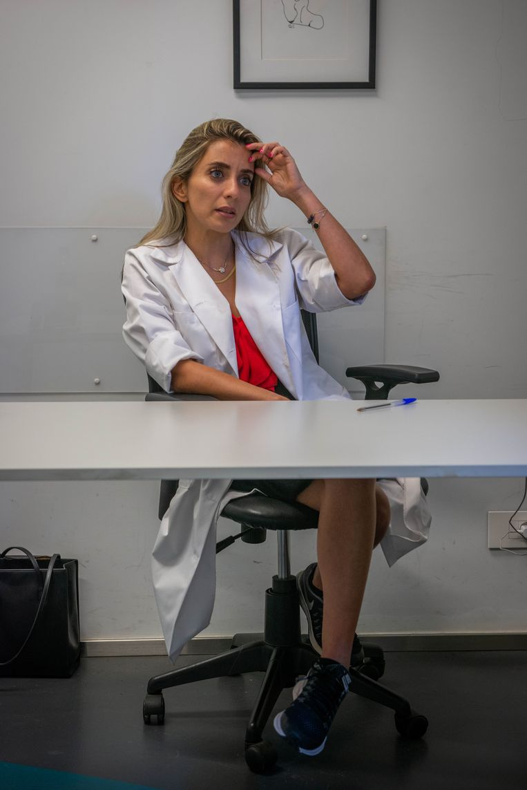 Dana Sarhan is een psychotherapeut, ze heeft meer werk dan ooit. Beeld René Clement