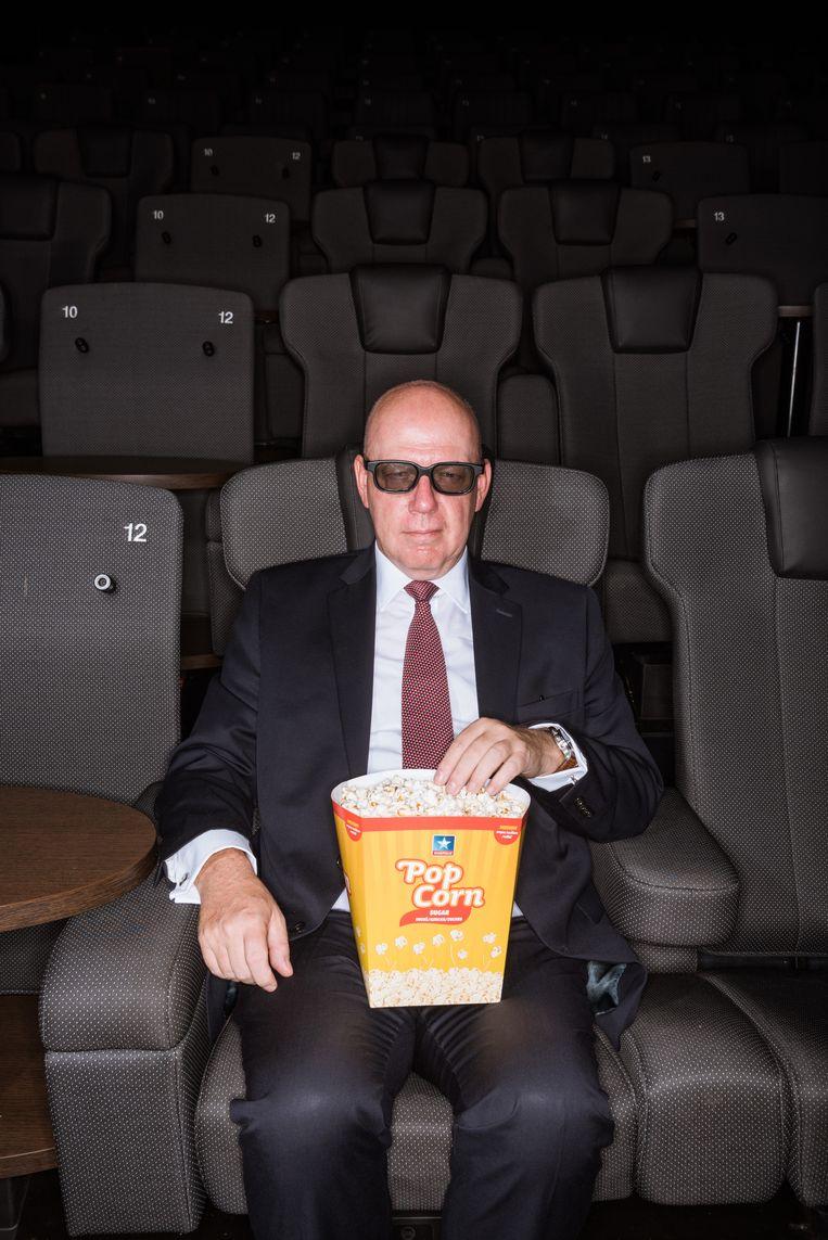 'Ik ga niet vaak 'incognito' in een van mijn eigen cinemazalen zitten. Als uitbater zie je altijd wel iets dat stoort. Zo wordt het snel weer werk.' Beeld Wouter Maeckelberghe
