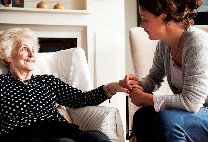 Een van de doelen is om eenzaamheid tegen te gaan door het leveren van de zorggoederen te combineren met bezoek aan huis.