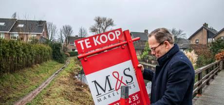Ook voor makelaar is de Tilburgse woningmarkt gejaagd en chaotisch: 'Wie waakt er over de koper?'