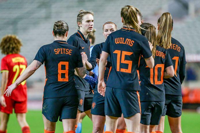 Vreugde bij de Leeuwinnen na de 0-1.