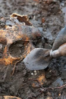 Massagraf in Vianen groter dan gedacht: nu al 20 skeletten gevonden, waarschijnlijk volgen er nog tientallen