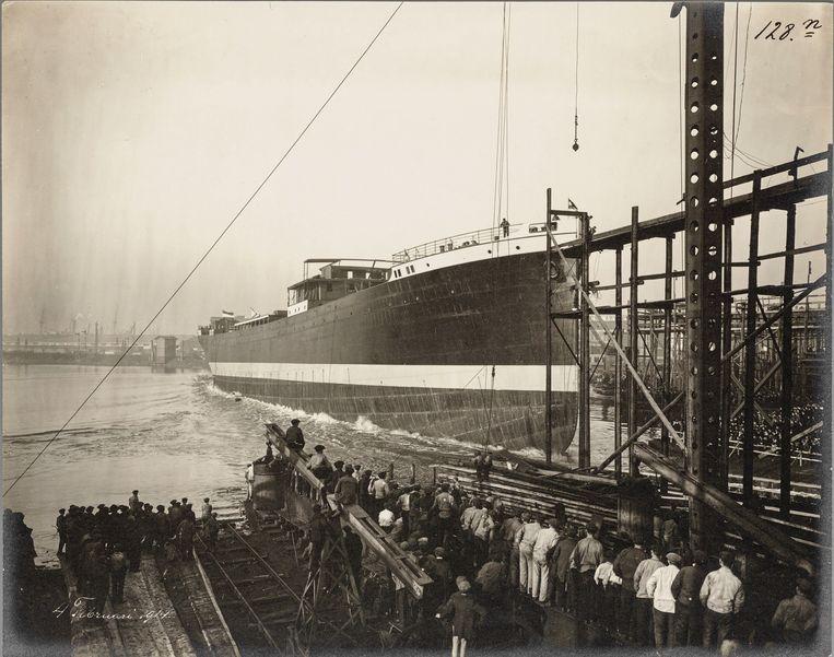 De tewaterlating van het ss Rotti in 1914. Beeld Stadsarchief