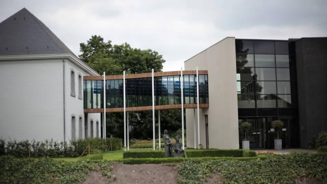 """Beide gemeentehuizen in Oudsbergen worden vernieuwd: """"Dit model is uniek in Vlaanderen"""""""
