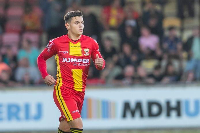 Tino Dimitrijevic scoorde de 1-3, en gooide zo het eerste competitieduel bij Zeeburgia in het slot voor de beloftenploeg van Go Ahead Eagles.