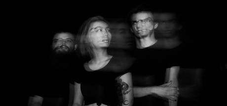 Nieuwe single van Zwolse band moet jongeren naar de stembus trekken: 'We willen het verschil maken'