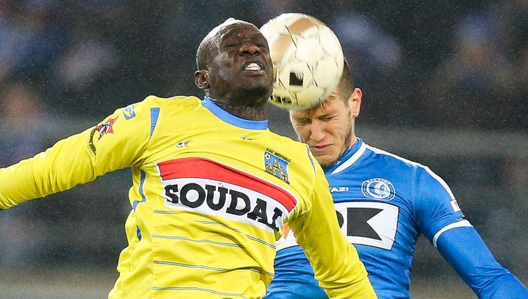 Diagne moet drie speeldagen brommen voor een niet opgemerkte elleboogstoot tegen AA Gent. Beeld BELGA