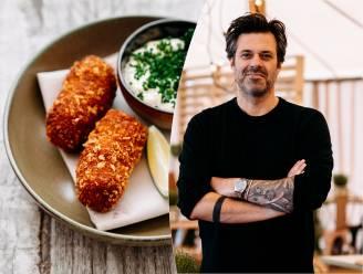 """Sergio Herman legt uit hoe hij verse garnaalkroketten maakt: """"De buitenkant is gepaneerd in Japans broodkruim"""""""