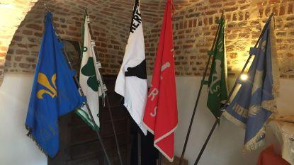 Vlaggen Confrérie weer in Paradijshoeve