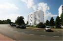 De nieuwe appartementen aan de Watersportbaan tonen een kleine knik.